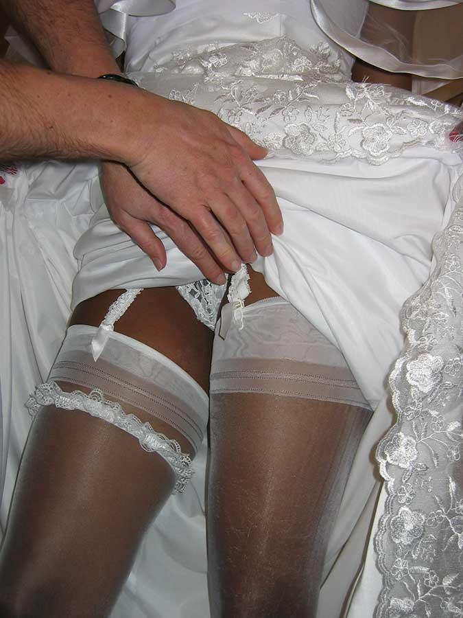 la femme mariée offerte à quatre hommes