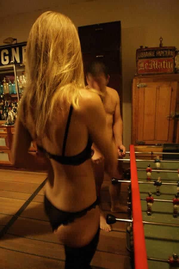 Le striptease permet la réussite du jeu de rôle sexuel